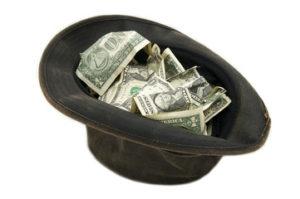 шляпа с деньгами